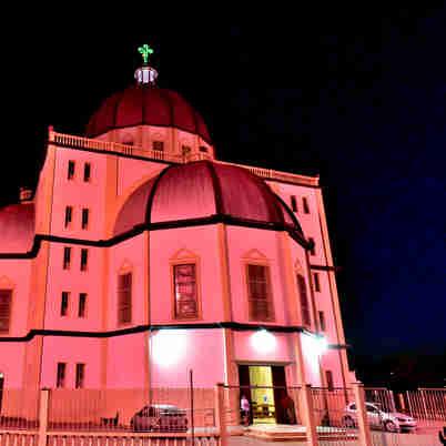 Data: 02/10/2019 - ES - Vitória - Outubro Rosa - Basílica de Santo Antônio - Editoria: Cidades - Foto: Fernando Madeira - GZ