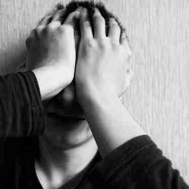 Jovem com sinais de depressão. Problema, se não for tratado, pode levar a atitudes extremas como o suicídio