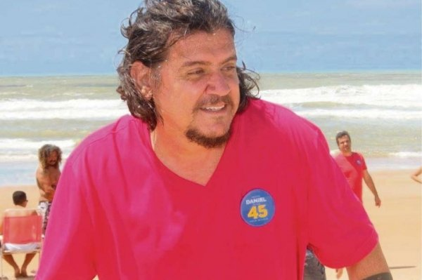 Daniel da Açaí, prefeito de São Mateus, durante campanha eleitoral. Crédito: Reprodução/Facebook