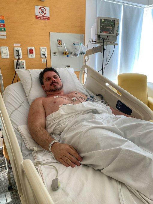 O senador Marcos do Val (Podemos) no hospital, na Serra, no início de outubro. Crédito: Twitter Marcos do Val