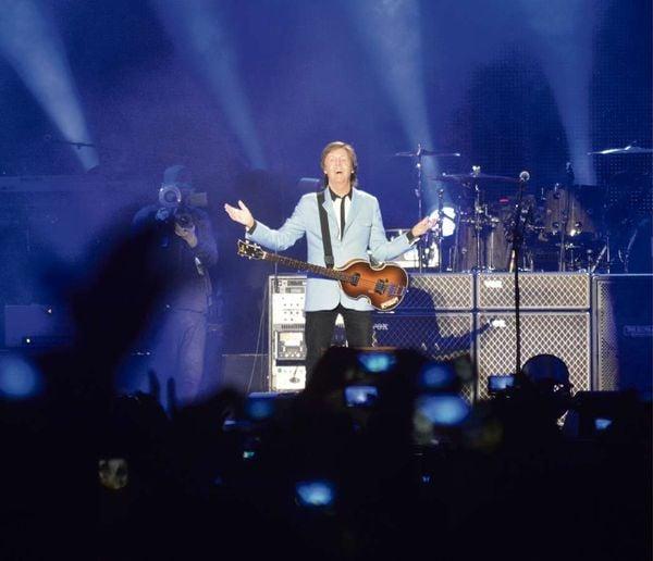 Apresentação de Paul McCartney no estádio Kleber Andrade, em Cariacica