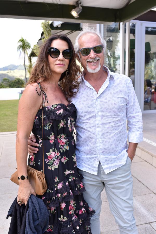 Queridos de RR. Heliene Del Esposti e Jonas Zucchi: em festa badalada na Pedra Azul.. Crédito: Mônica Zorzanelli