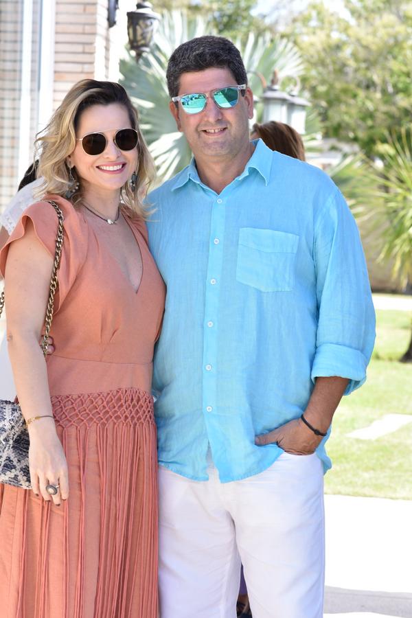 Festa. Mariana Lisboa e Evandro Bastos : celebrando o amor, em Pedra Azul.. Crédito: Mônica Zorzanelli