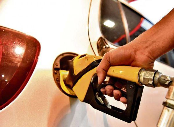 Apesar do ataque de drones na Arábia Saudita, o preço médio da gasolina não disparou em setembro. Crédito: Fernando Madeira