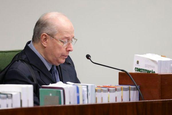 O ministro do STF Celso de Mello foi o único a proferir seu voto na sessão desta terça-feira (15). Crédito: Valter Campanato/Agência Brasil
