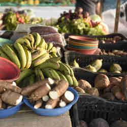 Data: 16/10/2019 - ES - Vitória - Feira de alimentos orgânicos na Praça do Papa - Editoria: Economia - Foto: Vitor Jubini - GZ