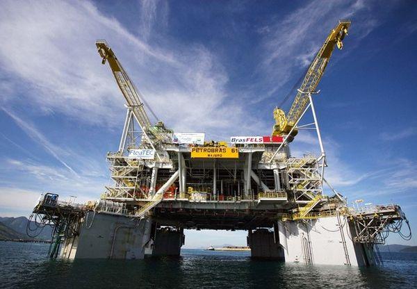 Empresas locais podem prestar serviços para produtoras de petróleo. Crédito: Agência Petrobras