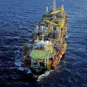 P-58: plataforma de petróleo opera no litoral Sul capixaba