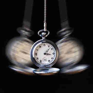 relógio marcando o tempo