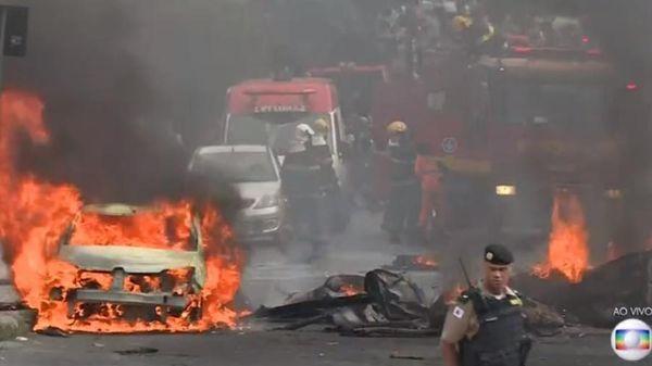 Avião cai em Belo Horizonte e deixa ao menos três mortos. Crédito: Reprodução/TV Globo