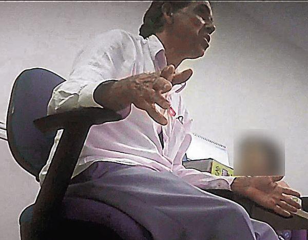 Geraldinho Feu Rosa, vereador da Serra, foi flagrado em vídeo falando sobre arrecadar dinheiro de funcionários. Crédito: Reprodução
