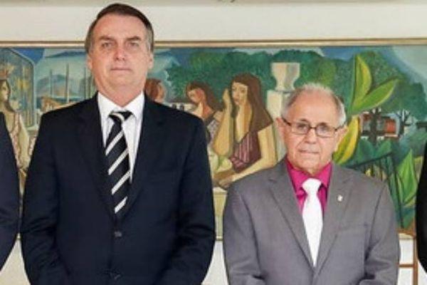 Jair Bolsonaro e Maynard Santa Rosa. Crédito: Alan Santos/Presidência da República/Divulgação