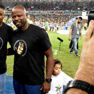 Nesta edição do Brasileirão, os técnicos Roger (Bahia) e Marcão (Fluminense) vestiram a camisa da luta contra o racismo