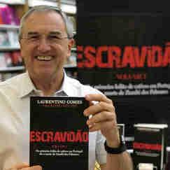 O jornalista e escrito Laurentino Gomes com o livro Escravidão - Volume I