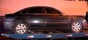 Drogas e armas são encontradas em carro blindado e dois homens são presos