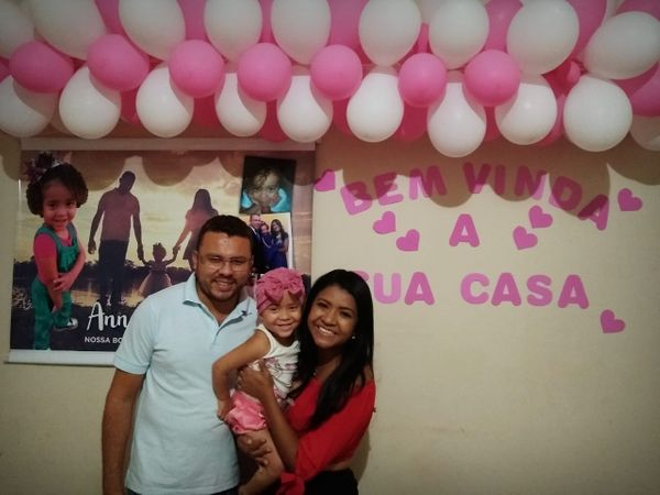 Anna Luíza foi recebida com festa em casa. Crédito: Divulgação