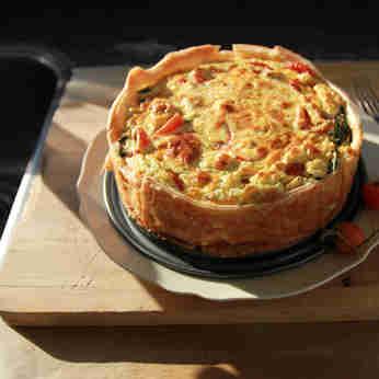 Torta de legumes, palmito pupunha e sardinha.