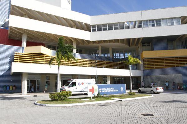 Paciente está internado no Hospital Estadual Dr. Jayme Santos Neves. Crédito: Divulgação