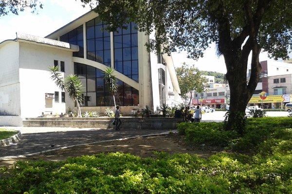 Praça Duque de Caxias, no Centro de Vila Velha. Crédito: Samanta Nogueira