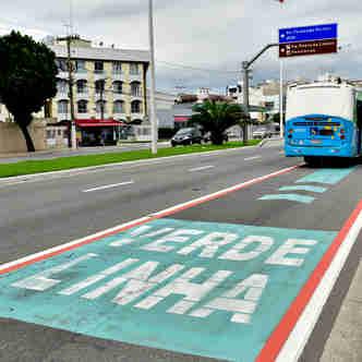 Data: 26/11/2019 - ES - Vitória - Linha Verde, empresa instala novas placas de sinalização - Editoria: Cidades - Foto: Fernando Madeira - GZ