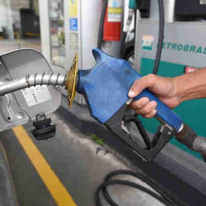 Data: 28/11/2019 - ES - Vitoria - Posto de Gasolina - Editoria: Cidades - Foto: Ricardo Medeiros - GZ