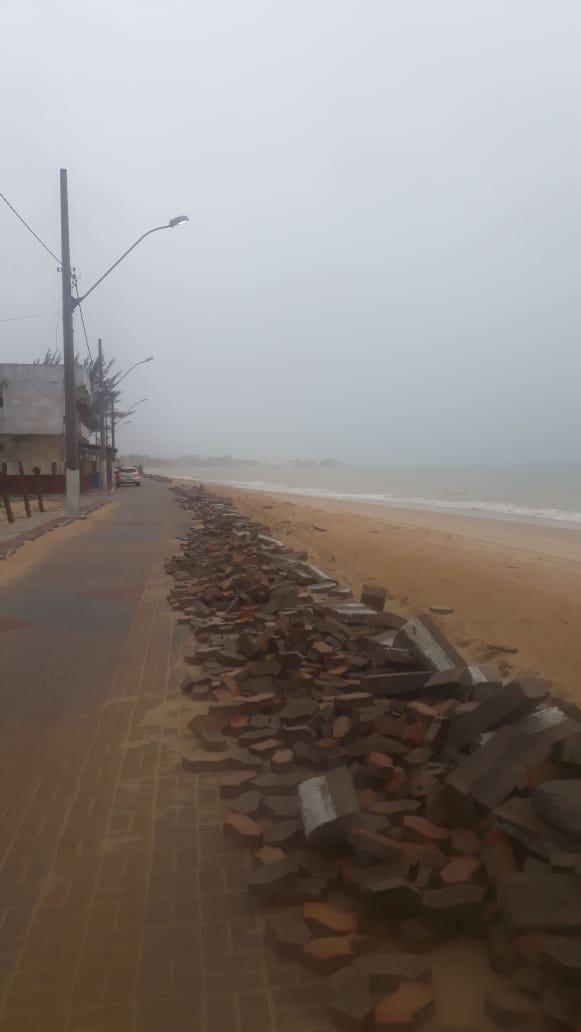 Com o mar agitado, a preocupação dos moradores é que essa situação piore. Crédito: Divulgação/PMI