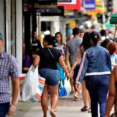 Data: 03/12/2019 - ES - Cariacica - Comércio na Avenida Expedito Garcia, em Campo Grande - Editoria: Economia - Foto: Fernando Madeira - GZ