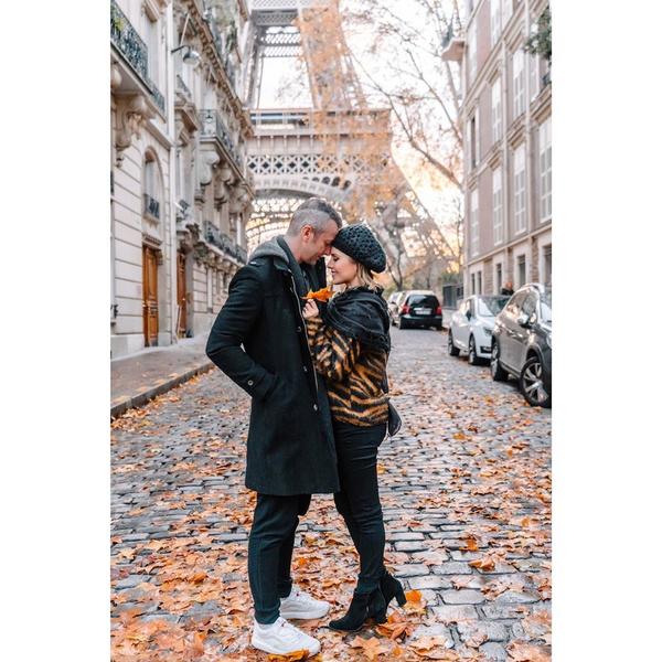 Júnior Lima e Sandy em férias em Paris. Crédito: Reprodução/Instagram