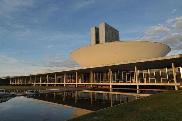 Congresso Nacional, em Brasília. Governo Bolsonaro vive enfrentamento com o Legislativo, a quem cabe aprovar ou não a reforma administrativa. Crédito: Arquivo/Agência Brasil