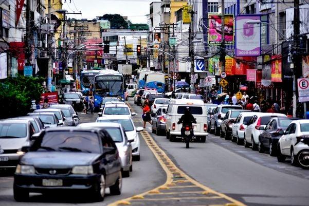 Comércio na Avenida Expedito Garcia, em Campo Grande. Crédito: Fernando Madeira