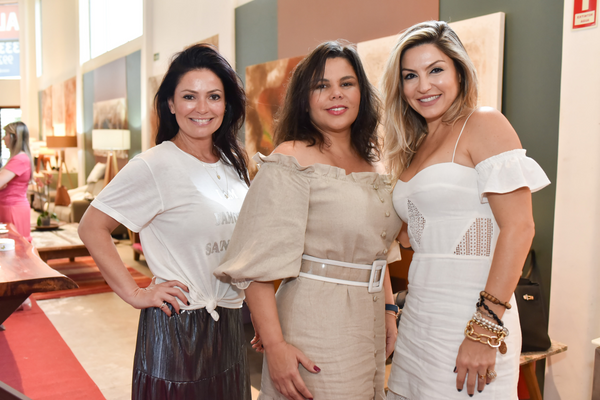 Carmela Bergamini, Simony Esteves e Eliane Bianchi. Crédito: Mônica Zorzanelli