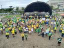 Manifestantes pró-Bolsonaro e contrários a Gilmar Mendes protestam na Praça do Papa, em Vitória. Crédito: Giordany Bozzato