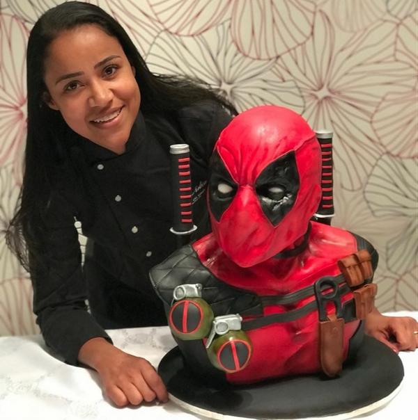 Núbia Moraes e seus bolos esculplidos. Crédito: Reprodução/ Facebook/ Núbia Moraes
