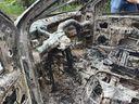 Carro de motorista de aplicativo é queimado durante sequestro. Crédito: Isaac Ribeiro