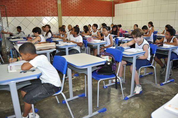 Selecionados no concurso irão lecionar nas escolas públicas do município. Crédito: Divulgação