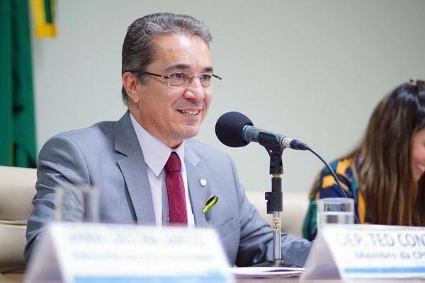 Deputado federal Ted Conti (PSB). Crédito: Pablo Valadares/Câmara dos Deputados