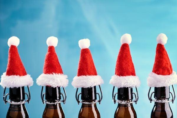 Nossas festas de fim de ano pedem cervejas com maior drinkability. Crédito: Shutterstock