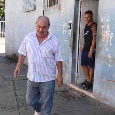 Data: 17/12/2019 - ES - Vitória - Carlos Costa, e Carlos Wanzeler, chefões da Telexfree, chegando no DMl para fazer exame de corpo delito, após ser preso pela Policia Federal - Editoria: Economia - Foto: Ricardo Medeiros - GZ