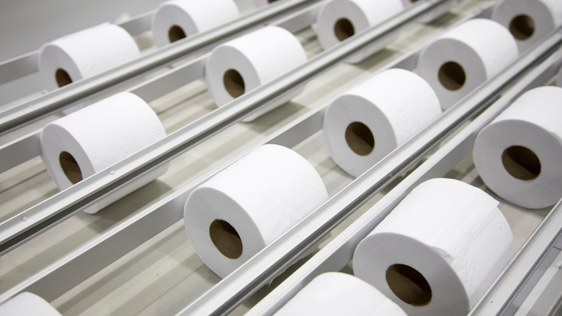 Linha de produção de tissue na unidade Mucuri da Suzano Papel e Celulose.