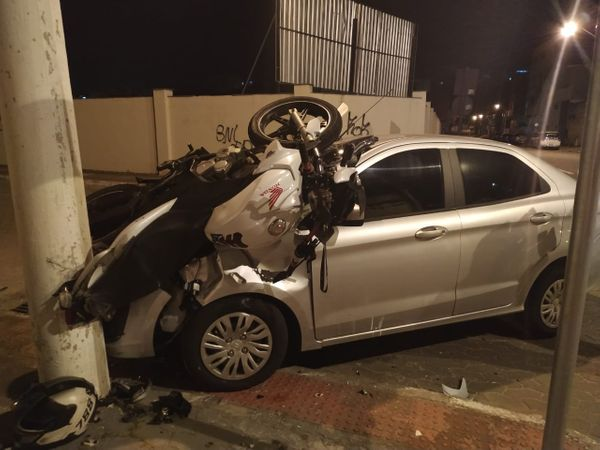 Acidente entre carro e moto em Cocal, Vila Velha. Crédito: Giordany Bozzato