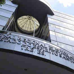 Data: 27/12/2019 - ES - Vitória - Fachada da sede do Tribunal Regional Eleitoral do Estado do Espírito Santo