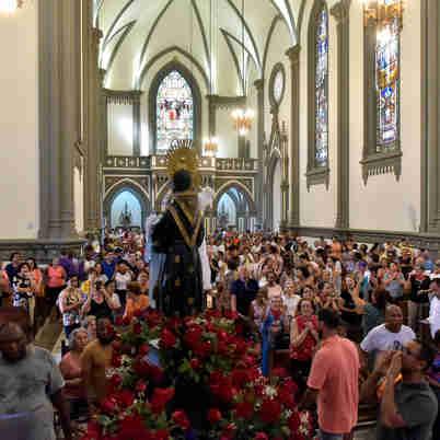 Data: 27/12/2019 - ES - Vitória - Procissão de São Benedito - A caminhada saiu da Igreja do Rosário e foi até a Catedral de Vitória - Editoria: Cidades - Foto: Fernando Madeira - GZ