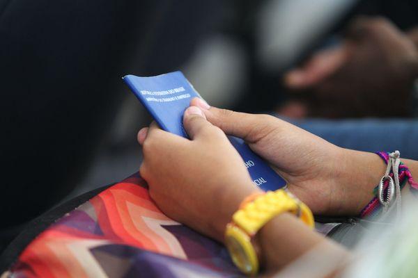 Oportunidades no Sine para quem quer trabalhar com carteira assinada. Crédito: Paula Froes/GOVBA