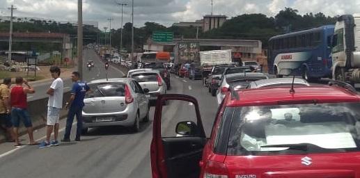 Trânsito em Viana. Crédito: Reprodução