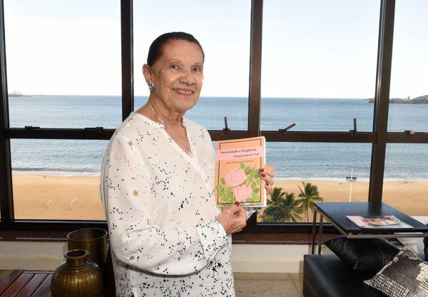 Maria Natividade de Almeida, 90 anos, escreveu um livro de memórias. Crédito: Carlos Alberto Silva