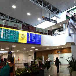 Data: 03/01/2020 - ES - Vitória - A empresa com origem suiça Aeroportos do Sudeste do Brasil ( ASeB) assume administração do Aeroporto de Vitória