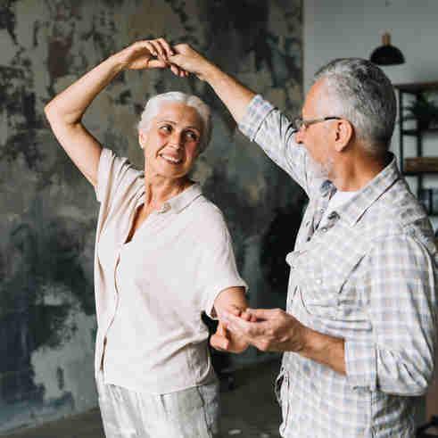 Idosos dançando: os desafios da longevidade