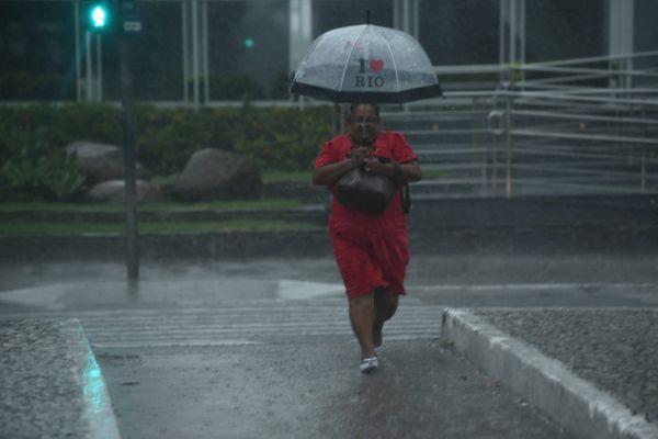 Tarde de chuva em Vitória. Crédito: Ricardo Medeiros