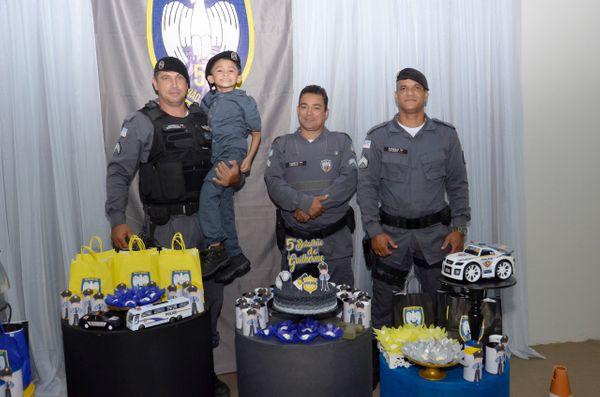 Criança capixaba realiza sonho ao ganhar festa com a presença de Policiais 2
