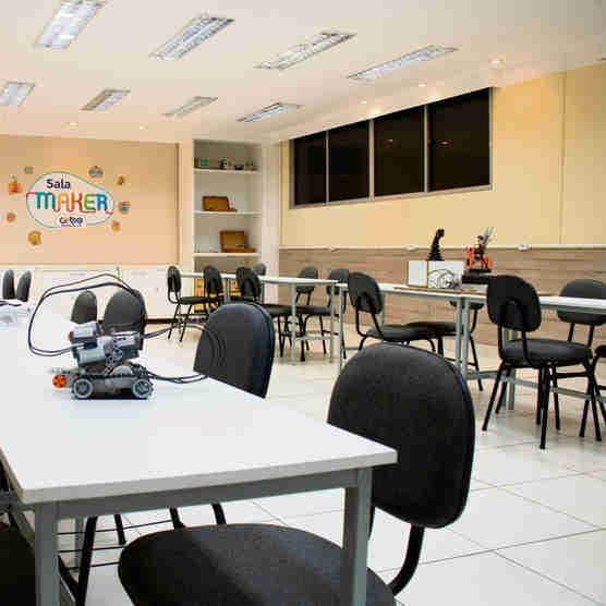 Sala Maker é um dos espaços do Cobe voltados para a formação dos estudantes por meio da Educação 4.0